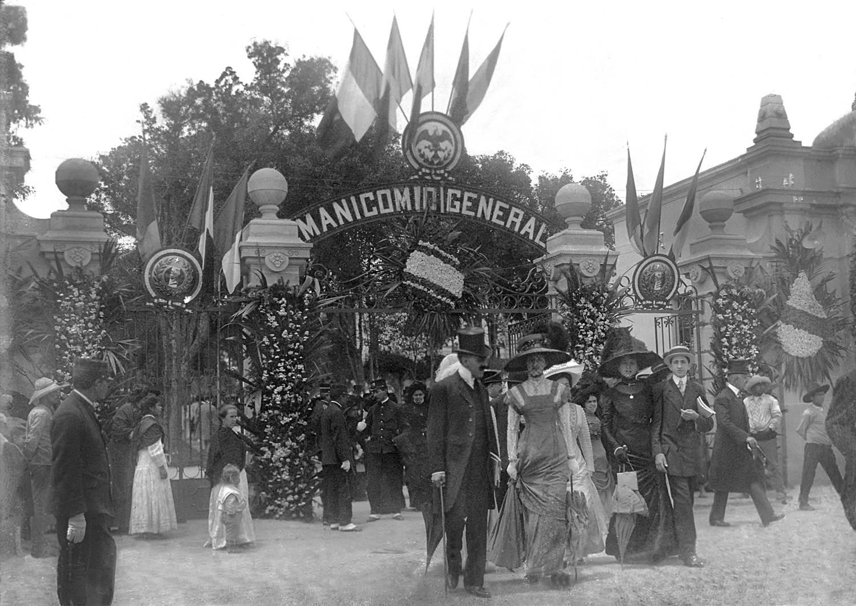 Castañeda inauguración